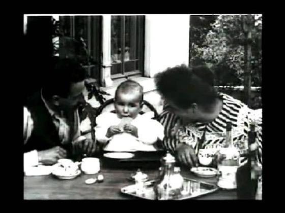 Baby's Meal (1895) - LOUIS LUMIERE - Repas de Bebe