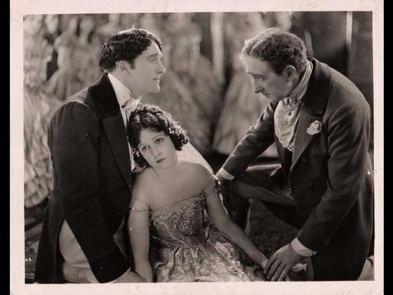 A History of Screenwriting 58 - Smilin' Through starring Norma Talmadge, Written by Alan Langdon Martin (aka Jane Murfin and Jane Cowl) (original play),  James Ashmore Creelman (scenario), Sidney Franklin (scenario) - 1922